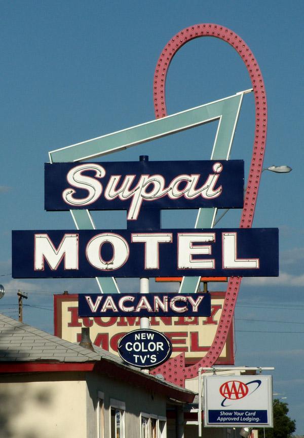 insegna-motel-2
